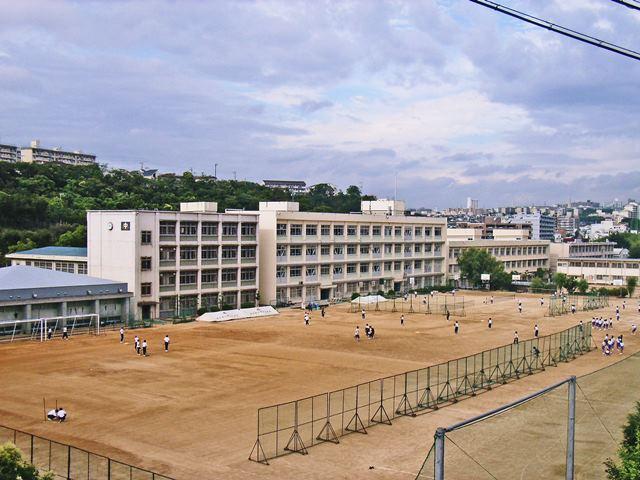 西舞子小学校 約400m(歩5分)