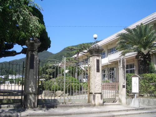 たつの市立龍野小学校   440m