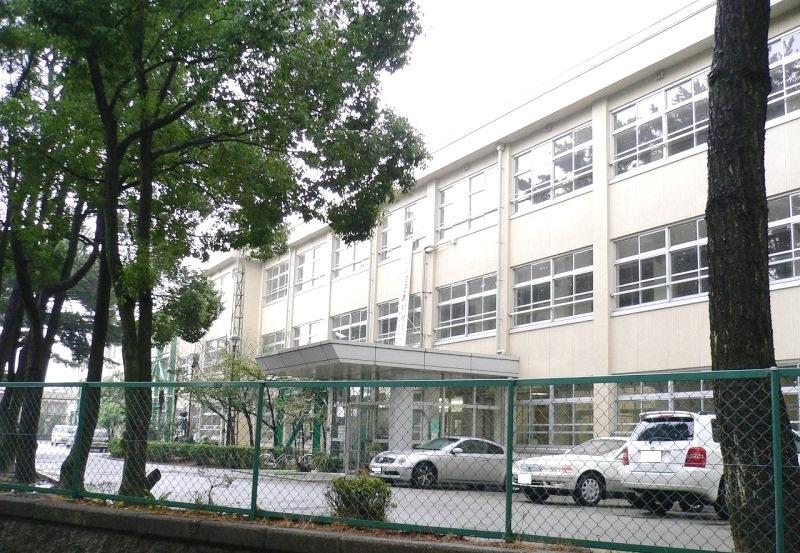 加古川市立浜の宮中学校 1320m