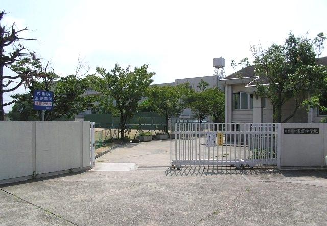 播磨町立播磨中学校・・・510m
