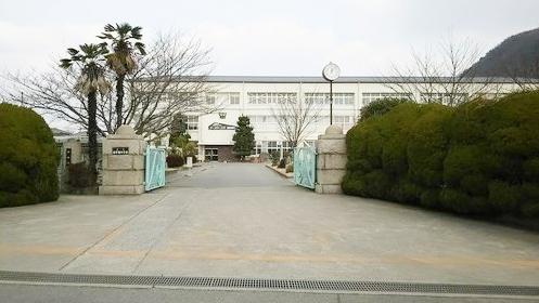 龍野東中学校 620m
