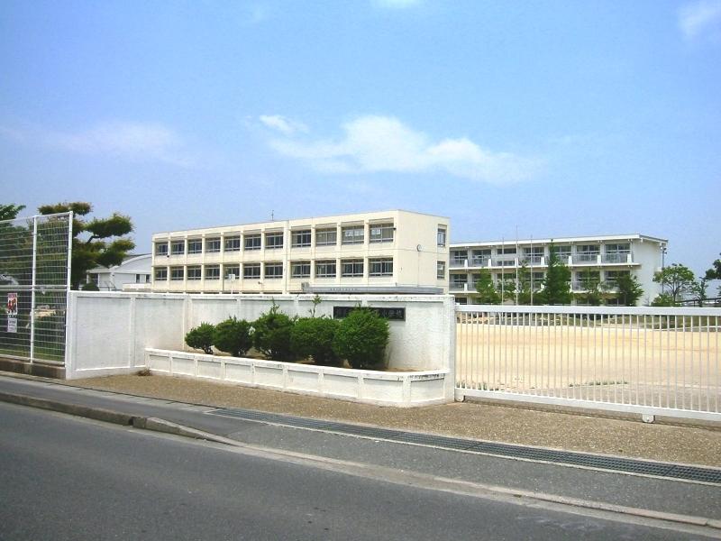 稲美町立天満小学校…約390m