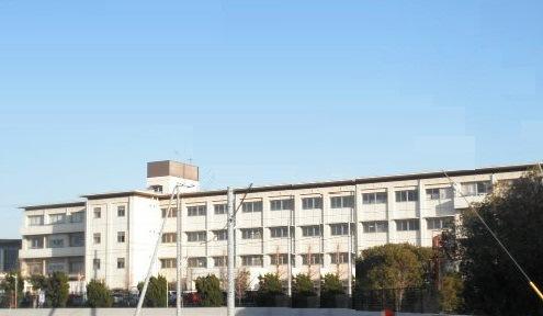 播磨町立播磨南中学校…約580m