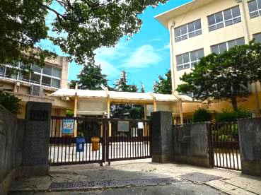 神戸市立玉津中学校 約1170m(徒歩15分)