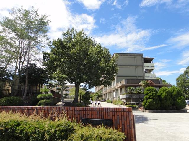 神戸市立岩岡中学校 約1480m(徒歩19分)