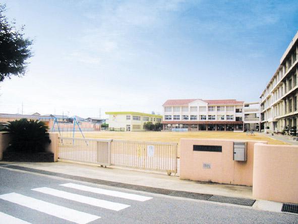 錦浦小学校 約1450m(徒歩19分)