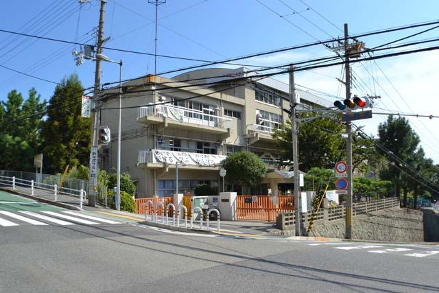 東舞子小学校(310m)