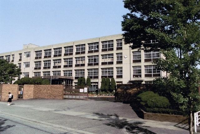 別府中学校…約1040m