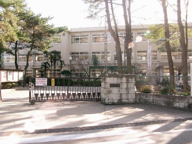 加古川市立浜の宮中学校・・・約1520m