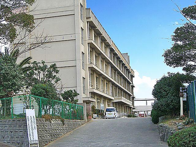 大蔵中学校   940m